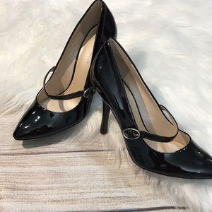 Nine West Black patent Mary Jane Heels size 6